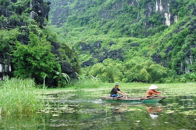 Hoa Lu Tam Coc Full-Day DELUXE Tour Including BUFFET LUNCH & River Boat Ride photo 6