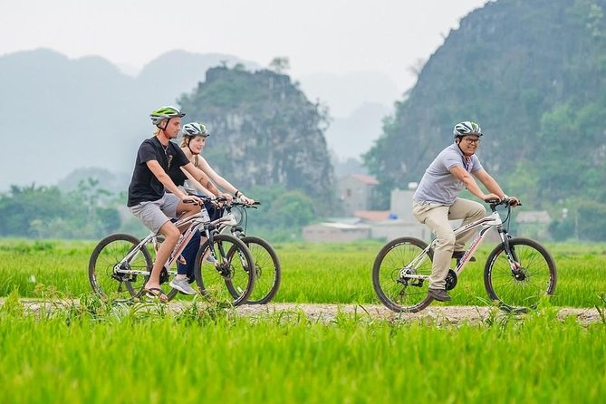 Hoa Lu Tam Coc Full-Day DELUXE Tour Including BUFFET LUNCH & River Boat Ride photo 26