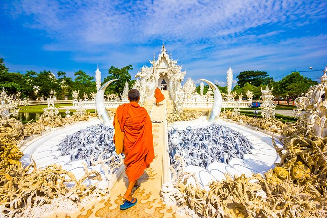 Chiang Rai Temples Small Group Tour: White Temple, Blue Temple & Black House