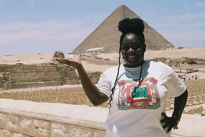 day tour to Giza pyramids, lunch, camel ride and Egyptian museum