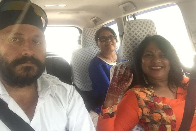 Jaipur to Delhi Airport Transfer by Air Conditioned Car and Driver