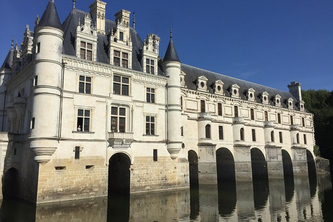 Day at the Chenonceau and Chambord castles from Blois From 1 to 6 Pers