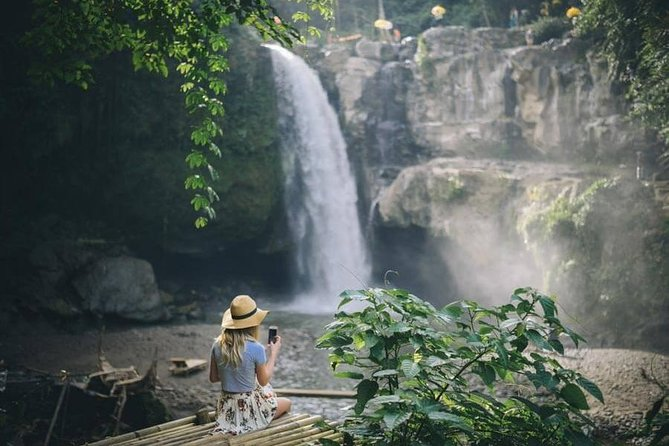 Private Photo Session with a Local Photographer in Ubud