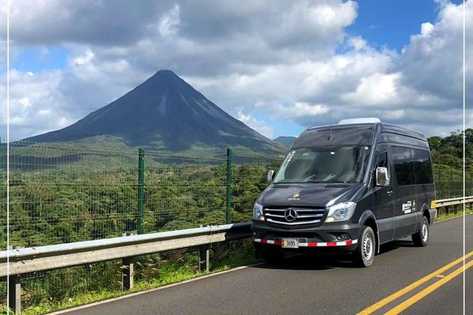 Shared Shuttle from Manuel Antonio to San Jose Int'l Airport | AM