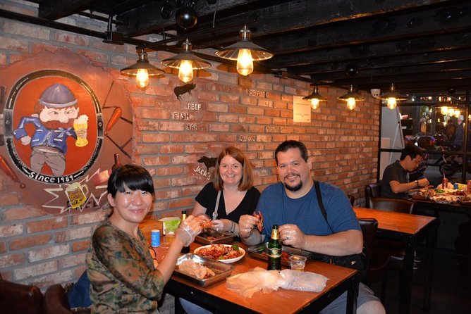 Delightful Shanghai Night Tour & Food Tour with Rooftop Bar or Rivercruise photo 6
