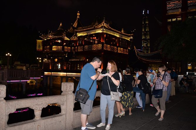 Delightful Shanghai Night Tour & Food Tour with Rooftop Bar or Rivercruise photo 8