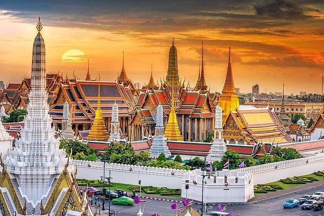 Sunset Selfie Tour with Bangkok Landmark & Dinner at China Town