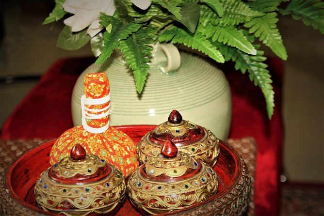 Thai Massage with Herbal compress ball