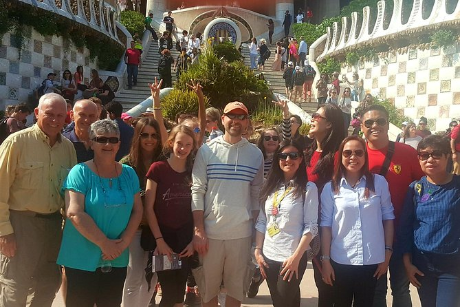 Barcelona Shore Excursion: pickup with luggage, skip-the-lines, full city tour