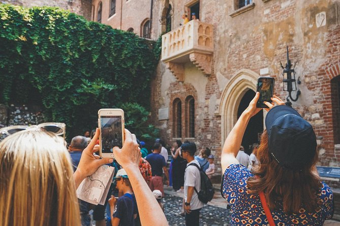 Best of Verona Walking Tour with Arena priority entrance
