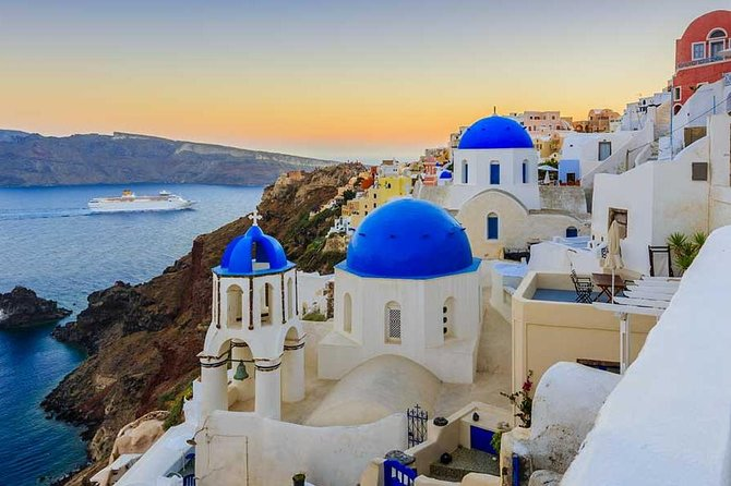 Discover Santorini with us (4 hour private tour)