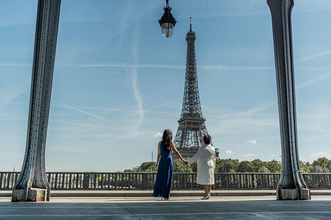 Private photoshoot in Paris with a professional photographer photo 61