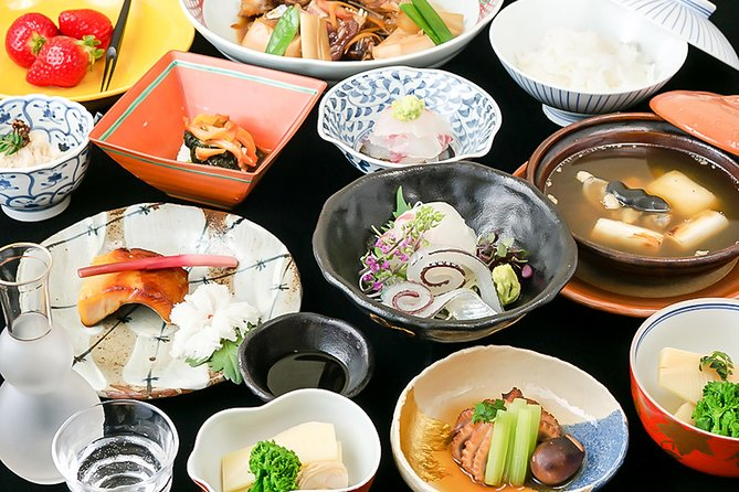 Taste Traditional Japanese Kaiseki Cuisine with explanation of private guide