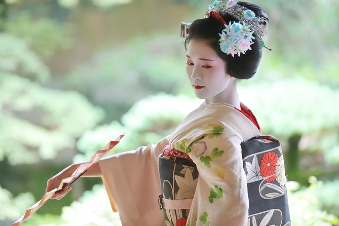 Mesmerizing Dinner with Maiko & Geisha photo 12