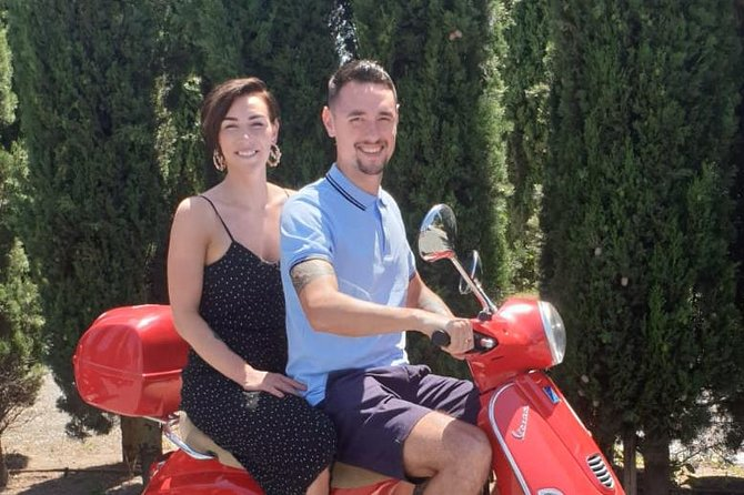 San Gimignano Vespa tour - 1 vespa for 2 people