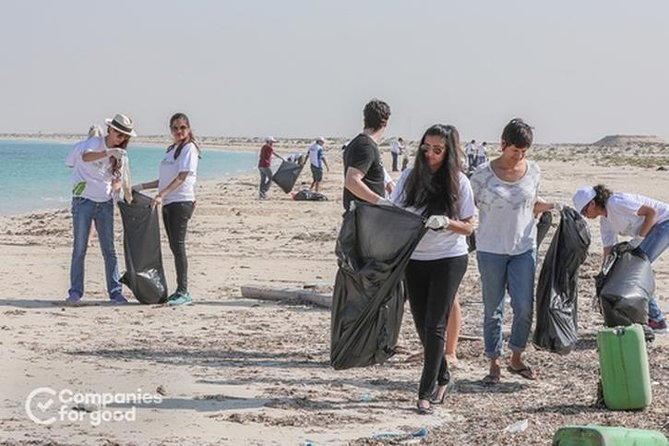 Beach Clean Up - Help protect UAE's incredible coastline photo 3