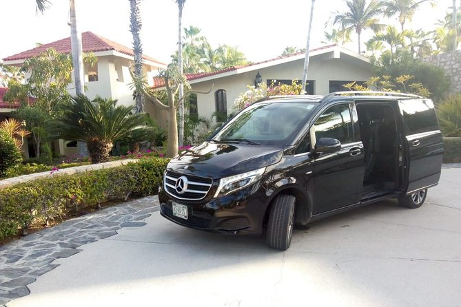 Round trip transfer from Cabo to La Paz up to 5 passengers