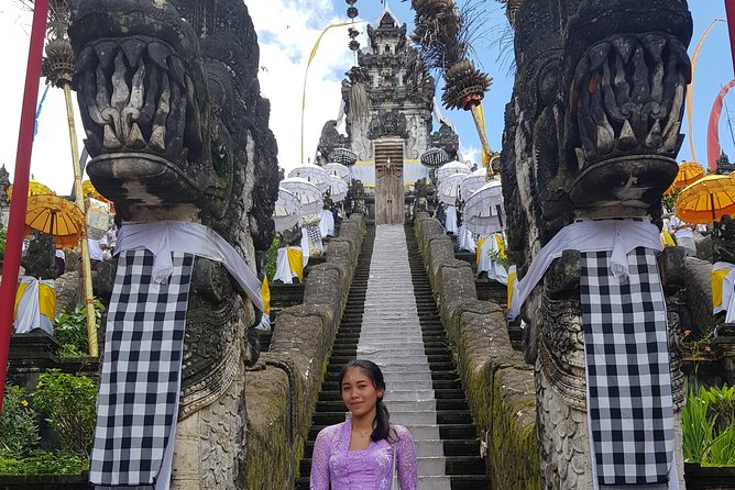 Private tours to Lempuyang temple-water palace-tukad cepung-rice terrace- swing
