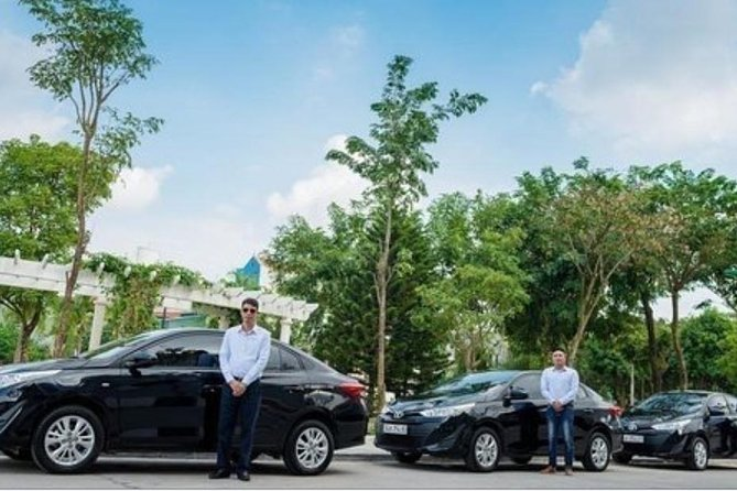 Private car transfer from Hoi An to Golden Bridge -Bana Hill (1 way)