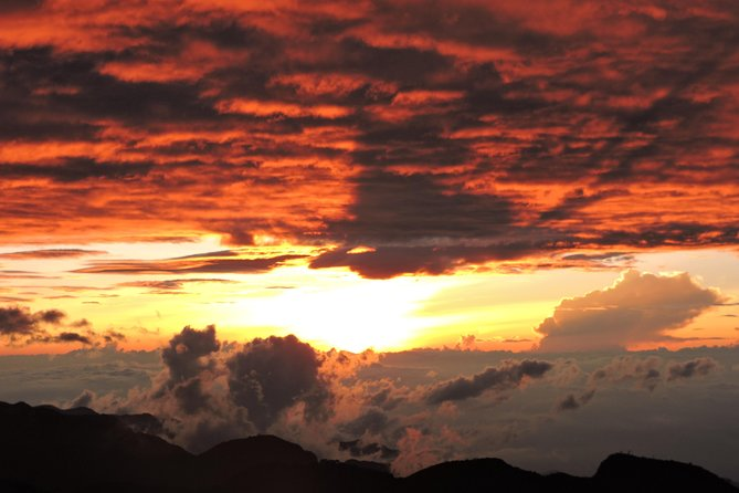 SUMMIT TOLIMAS MOUNTAIN 5.220 m.a.l.s