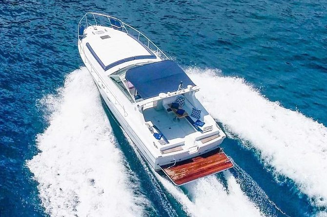 Capri private boat tour (7/8 hours) from deluxe Sorrento