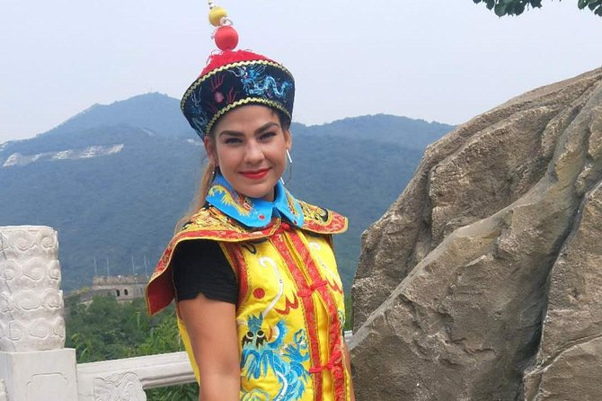 Mutianyu Great Wall share tours with free empress' clothes