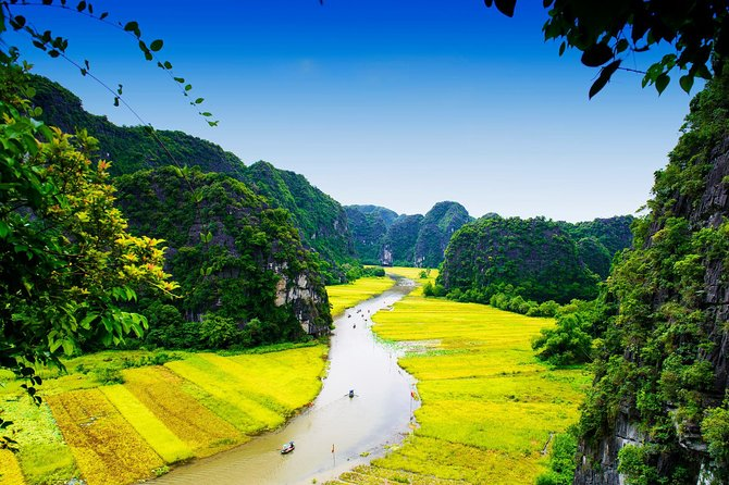 Ninh Binh Daily Tour: Hoa Lu - Tam Coc boat trip and Bike