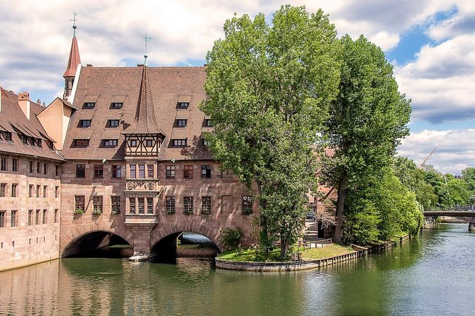 Private Transfer from Frankfurt to Nuremberg with 2h of Sightseeing