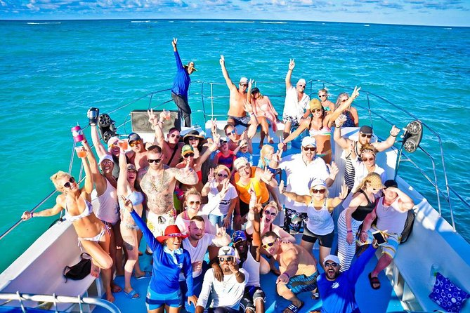 Paradise Boat VIP Snorkeling and Party + Shopping Tour Punta Cana photo 1