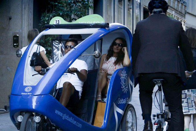 Two Hours Shopping Tour in Rickshaw in Milan