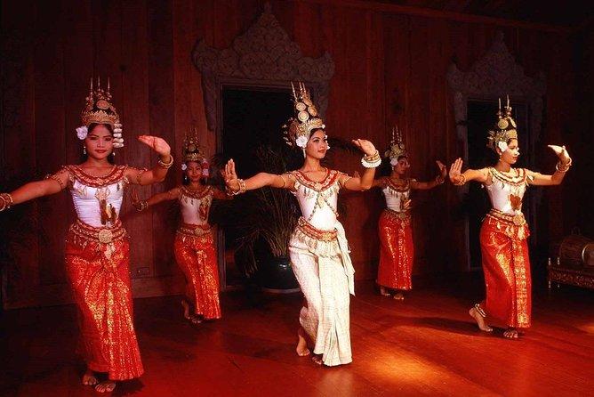 8 Days Private Guide Tour Phnom Penh to Battambang & Siem Reap
