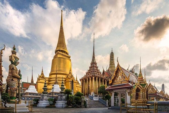 Grand palace and Emerald Buddha with Transfers in Bangkok