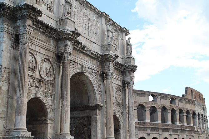 Private Walking Tour: Colosseum, Roman Forum, Main Fountains and Squares