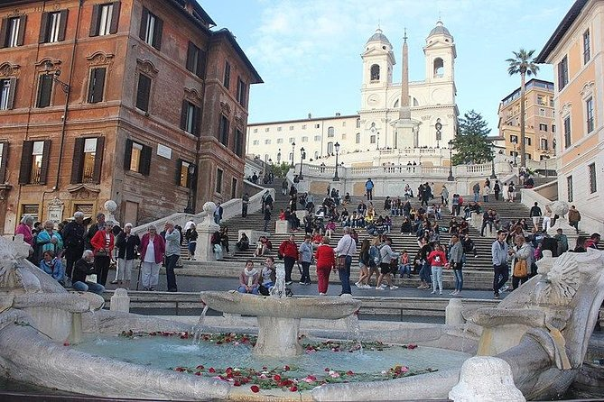 Private Walking Tour of Roman Squares and Fountains Plus the Pantheon
