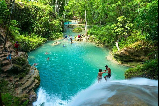 Dunn's River and Blue Hole Tour from Ocho Rios