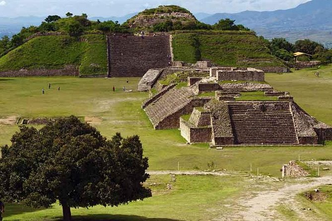 2-Day Oaxaca Tour including Monte Alban, Mitla and Hierve el Agua
