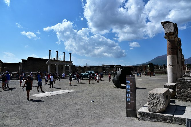 Discover Pompeii With Wine & Food Tasting photo 1