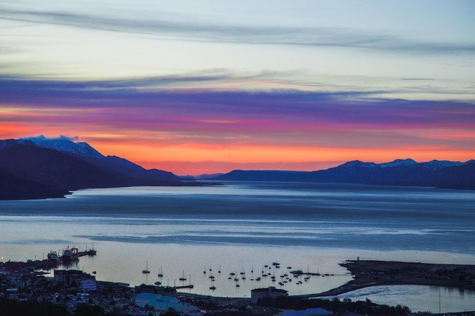 2-Days and 1 Night Experience Ushuaia with Airfare from Buenos Aires