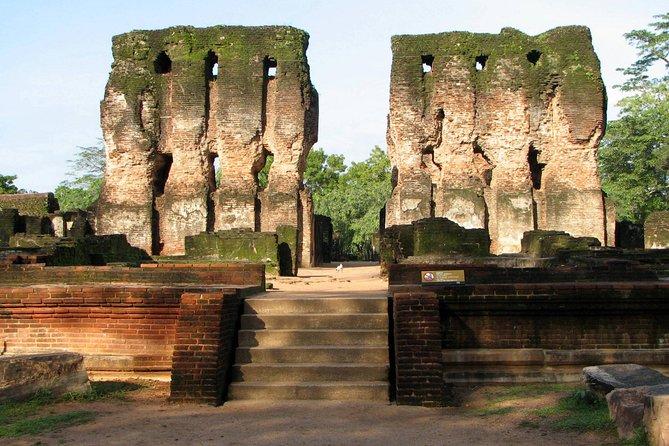 Polonnaruwa Day Tour From Anuradhapura