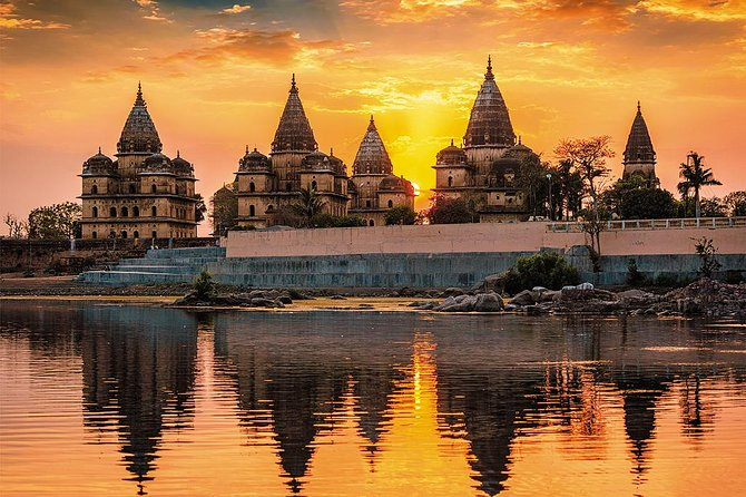 5-Day Private Golden Triangle Tour with Khajuraho Kamasutra Temples