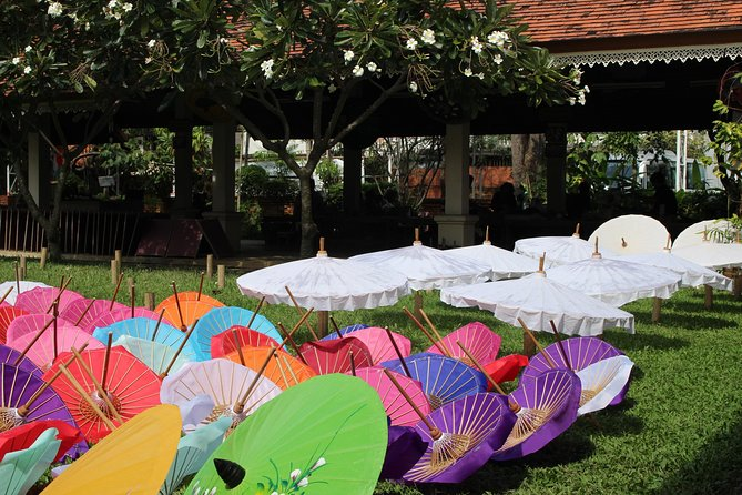 Private halfday - soak yourself in Thai traditional handicraft world!
