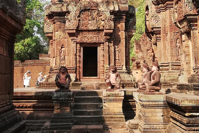 Angkor Thom, Ta Promh, and Banteay Srei Shared Tour