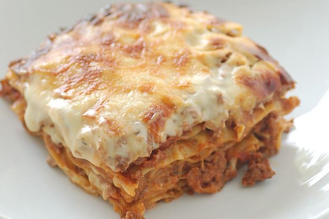 Day Trip: Lasagna Cooking Class With Lunch + Vinyard Tour By Horse & Carriage