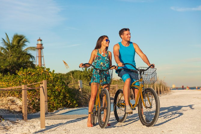 Half-Day Cultural Bike Tour of Downtown Nassau with a Guide