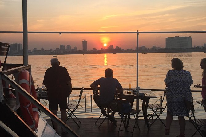 Dinner Cruise on the Mekong including 4 courses (Asian or Western) with Insurance