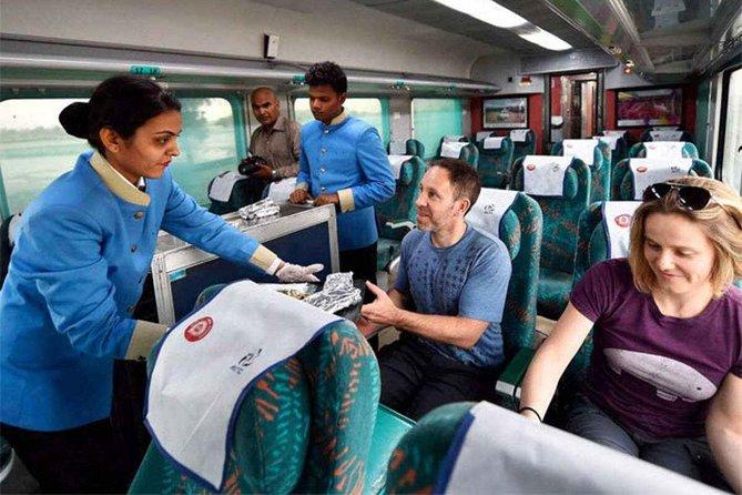 """""""Taj Mahal"""" Tour from Delhi by India's Fastest Train (Gatiman Express)"""