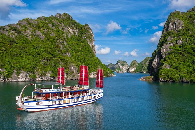 7 Hours Explore Halong Bay on a Luxury Cruise - Small group including Kayaking
