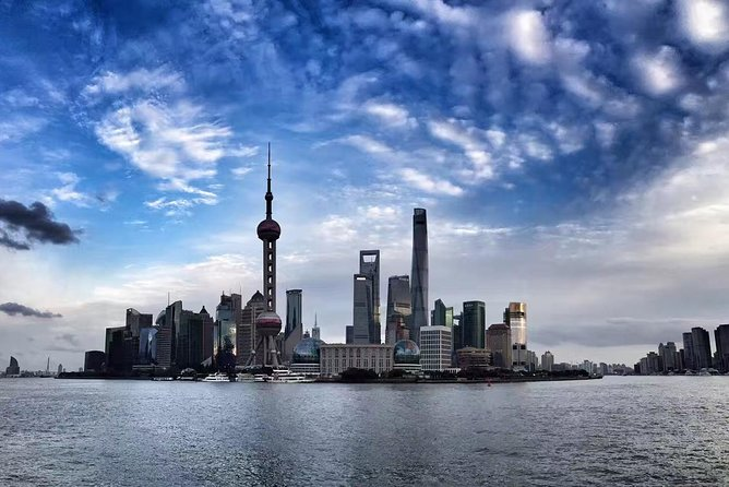 3-Hour Private Tour: The Bund, Shanghai Tower and Nanjing Road