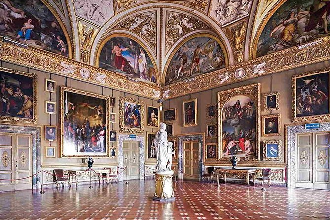 Palazzo Pitti Private Tour (with Ticket for Boboli Gardens)
