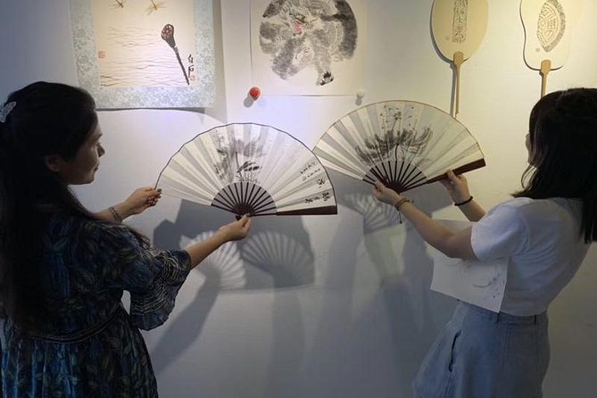 2-Hour Private Chinese Ink and Brush Painting Workshop in Beijing